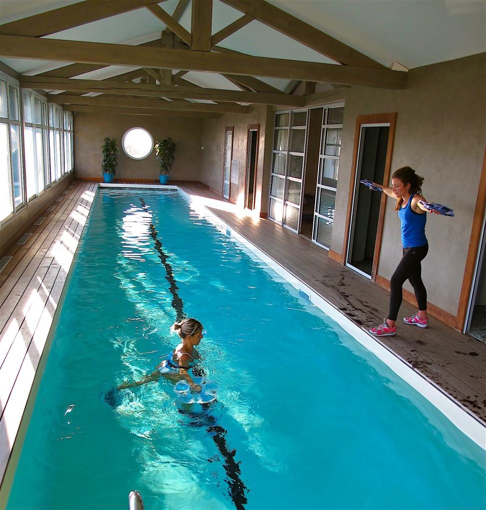 Couloir du basin de natation ou on peut pratique de l'aquagym